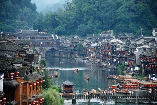 Du lịch Trương Gia Giới Phượng Hoàng Cổ Trấn từ Hà Nội